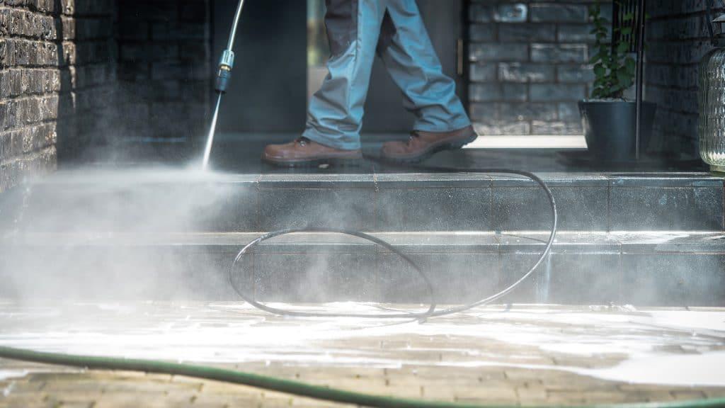 Hausmeister Dienstleistungen Hochdruckreinigung Korb